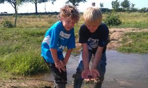 kinderen vissen